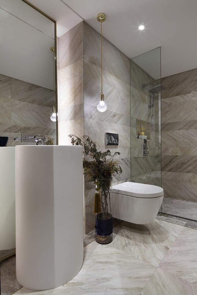 卫生间以浅色系列为主能够更加清新,看起来也是更加整洁有致。