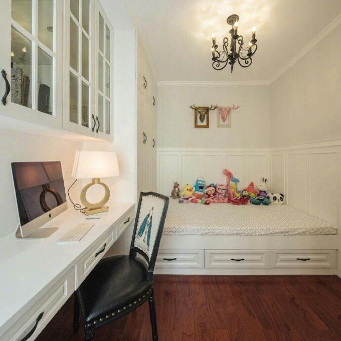 专门打造的榻榻米房间可以当作客厅,之后作为儿童房,平常还可以作为书房,一举三得,细节的设计十分的实用。