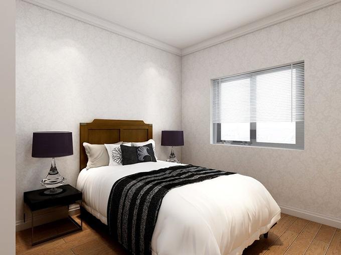 白色天花与环纹墙面营造了空间舒适,木制家具与地板互相对应触点空间素雅,黑白床上用品结合点缀空间素雅。